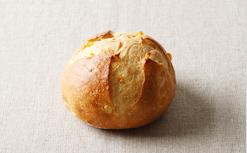 フランスパン窯で焼く、甘みはじけるコーンパン